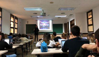 La socióloga Andrea Gracia transmite su pasión por los eventos a nuestros estudiantes