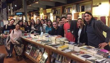 Viaje periodístico de los alumnos de la UAO CEU a la librería Altaïr